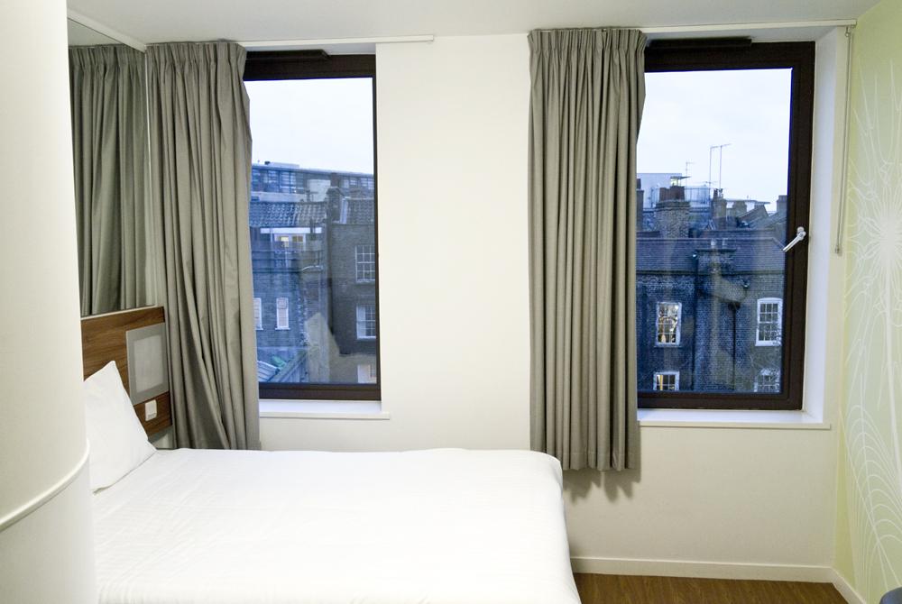 Stay: Tune Hotel Liverpool St London - Future Positive
