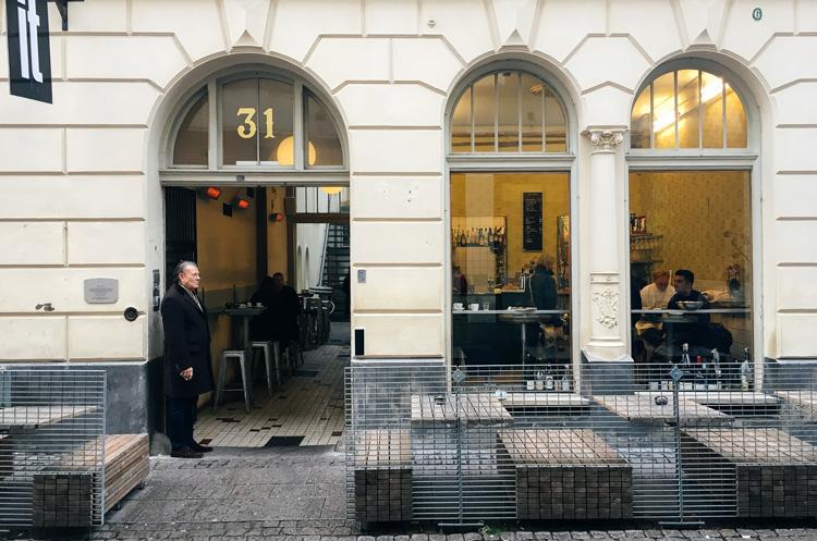future-positive-bar-centro-gothenburg-1